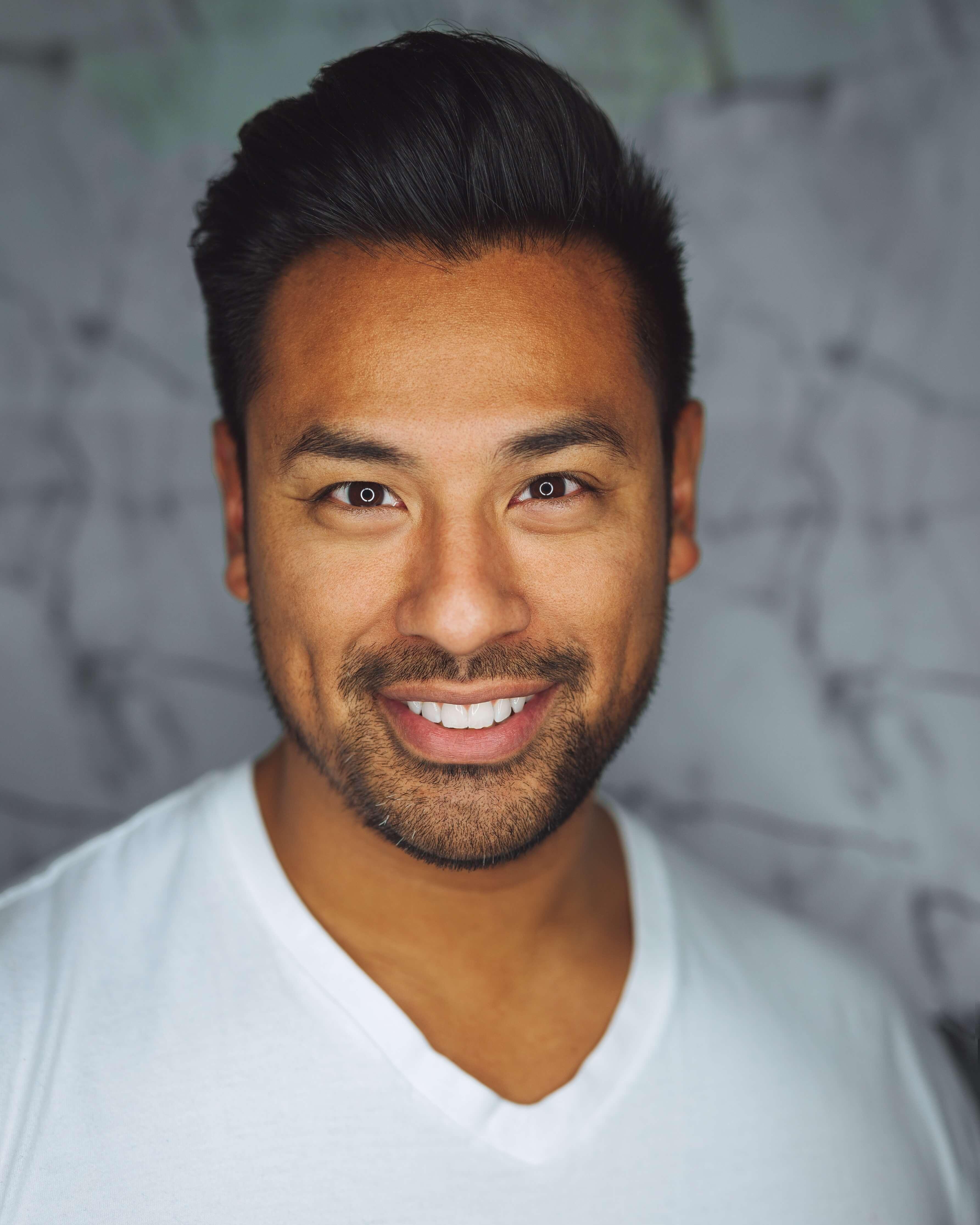 mężczyzna stomatolog portret